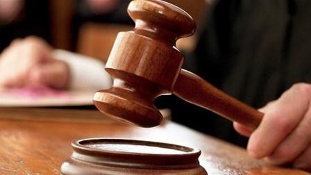 القاضي صوان أحال 12 متهما الى المحكمة العسكرية