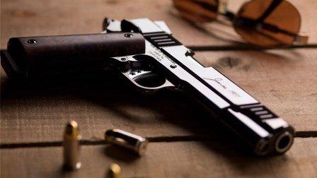 تمديد صلاحية ترخيص حمل الأسلحة عن الـ2016 لغاية 15 نيسان 2017