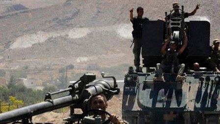 مدفعية الجيش تستهدف تحركات المسلحين بجرود رأس بعلبك وعرسال