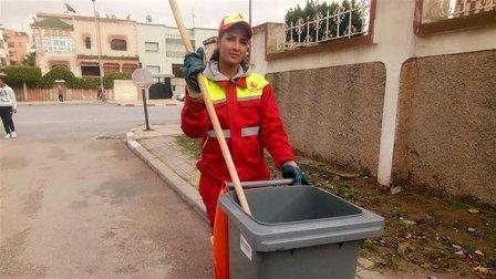 بالفيديو – من عاملة نظافة إلى ملكة جمال... إليكم قصّة هذه الشابة المغربية