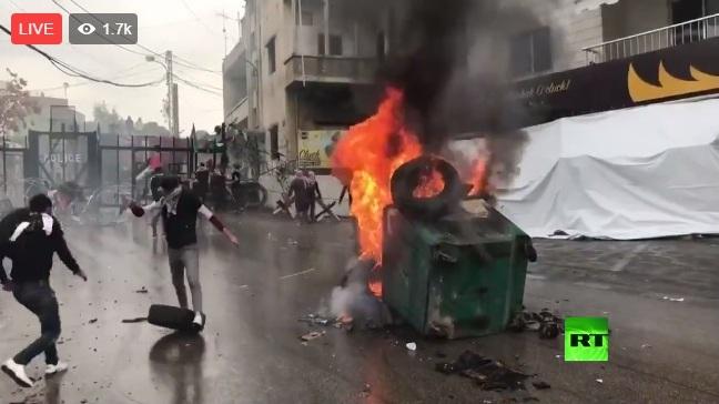 بالفيديو نقل مباشر من مواجهات   محيط السفارة الأمريكية ببيروت
