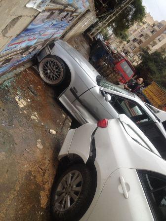 بالصور.. اصطدام سيارتين في حي البراد في صيدا