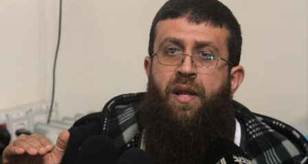الشيخ عدنان يطالب السلطة بالإفراج عن الصحفيين المختطفين