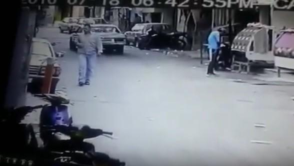فيديو يظهر عملية اغتيال الفلسطيني علي عوض، المعروف بالبحتي، في عين الحلوة