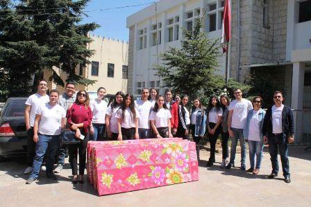 نادي ألوان في إنجيلية صيدا وثانوية حاصبيا الرسمية يقدم فرشًا من الإسفنج لسجن مرجعيون