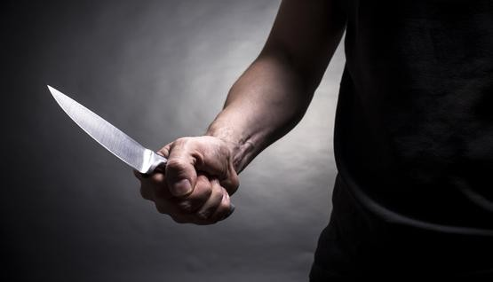 خنجر الأجير.. يُهشّم جسد صاحب العمل