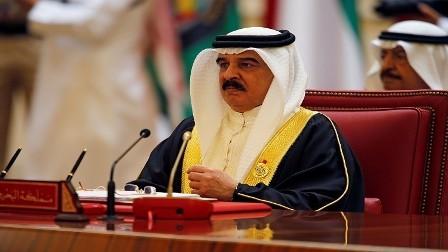 العاهل البحريني يصل أبوظبي في زيارة غير معلنة