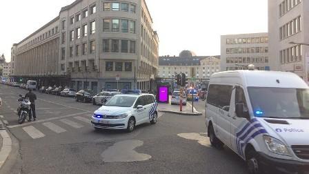 وسائل إعلام بلجيكية: إصابة مشتبه به يرتدي حزاما ناسفا إصابات خطيرة