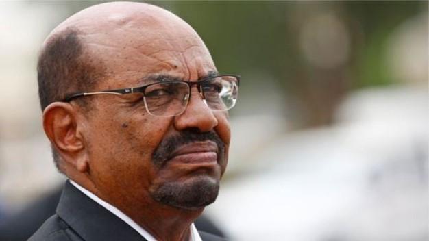 عودة الهدوء إلى السودان والبشير يتهم الدول الكبرى بابتزاز بلاده