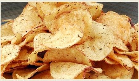دراسة: أكياس رقائق البطاطا تحوي مواد كيميائية مسرطنة