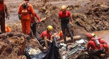 ارتفاع عدد قتلى انهيار سد في البرازيل إلى 84 قتيلا