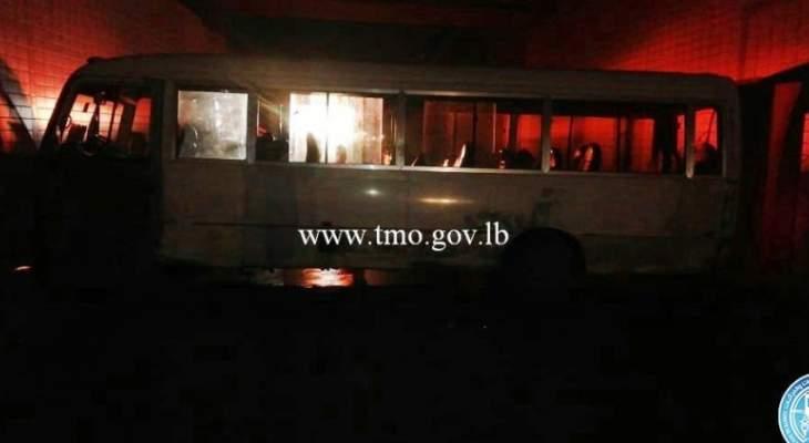 انزلاق حافلة لنقل الركاب داخل نفق صائب سلام باتجاه الروشة وتحويل السير إلى الجسر
