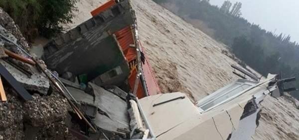 السيول تجتاح 12 مدينة في محافظة مازنران شمال ايران