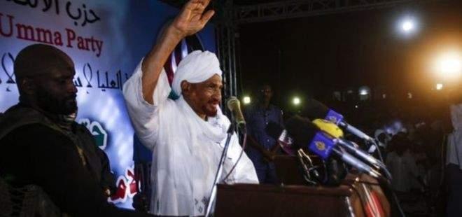 زعيم المعارضة السودانية: لتشكيل حكومة وفاق تشارك فيها جميع القوى