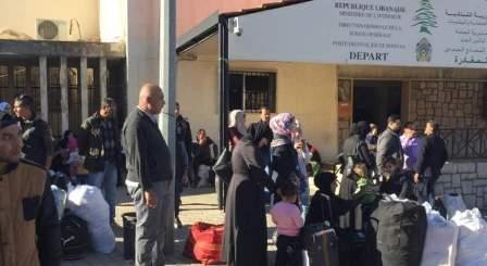 حوالي مئة نازح سوري غادروا عبر المصنع الى سوريا