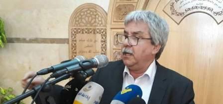 حنا غريب: الأزمة مستمرة رغم تريث الحريري في تقديم استقالته
