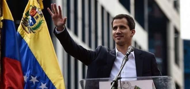 غوايدو: المساعدات ستدخل فنزويلا برا وبحرا وجوا