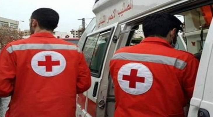 فرق الصليب الاحمر أخلت 5 شبان علقوا في سياراتهم جراء الثلوج في الهرمل