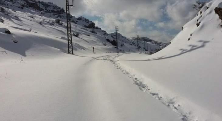 النشرة: طريق جزين - كفرحونة مقطوعة بالكامل بسبب تراكم الثلوج