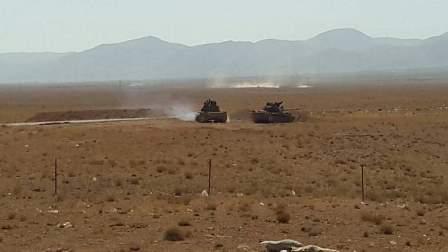 الجيش السوري بات على بعد كيلومتر واحد من مطار دير الزور