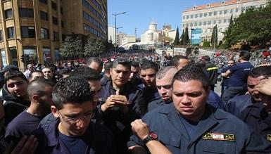متطوعو الدفاع المدني نحو إضراب عام