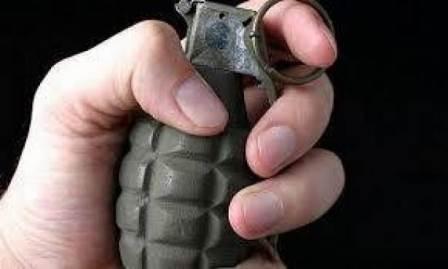 عند مداهمته... فتح قنبلة في وجه الدورية وهذا ما حصل!