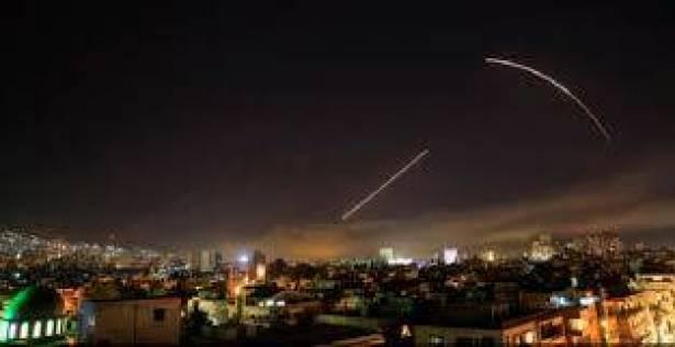 سلسلة مواقف سياسية لبنانية منددة بالعدوان على سوريا