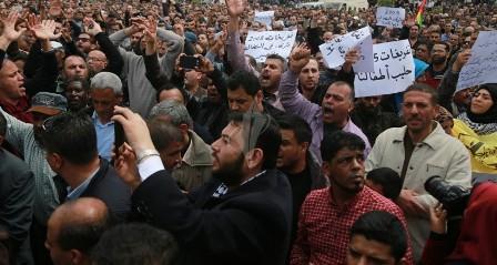 الاحتلال رفض وقف استقطاع ثمن كهرباء غزة