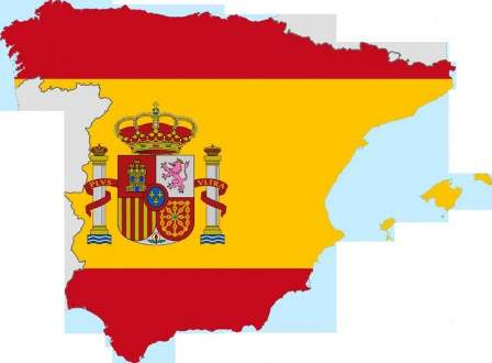 وسائل إعلام اسبانية: اندلاع حريق ضخم في مطار برشلونة