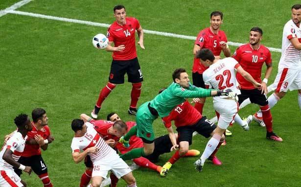فوز ويلز (2-1) وسويسرا (1-0) وتعادل انكلترا (1-1)