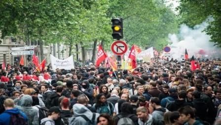 فرنسا تستعد لأكبر إضراب عمالي منذ 10 سنوات