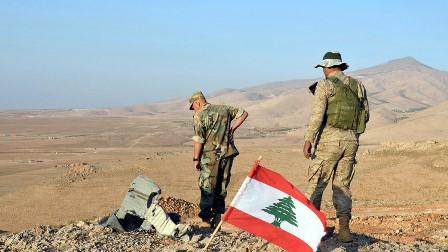 الجيش يشن هجوما على مواقع داعش بوادي التنية بجرود رأس بعلبك