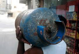 نقابة موزعي قناني الغاز: نقابات منتحلة صفة تضلل المسؤولين والاعلام