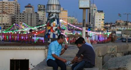 في غزة .. لا عزائم في رمضان وصلة الأرحام عنوانها