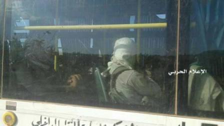بالصور: طلائع الحافلات التي تقل مسلحي ''سرايا أهل الشام'' وعدد من النازحين تصل الى فليطة السورية