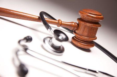 دعوى تزوير ضد طبيب شرعي تستغرق سنوات، ودعوى الخطأ الطبي معلقة حتى انتهائها