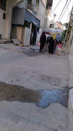 سقوط ثلاثة جرحى  في مخيم عين الحلوة وحركة نزوح من حي الطيرة