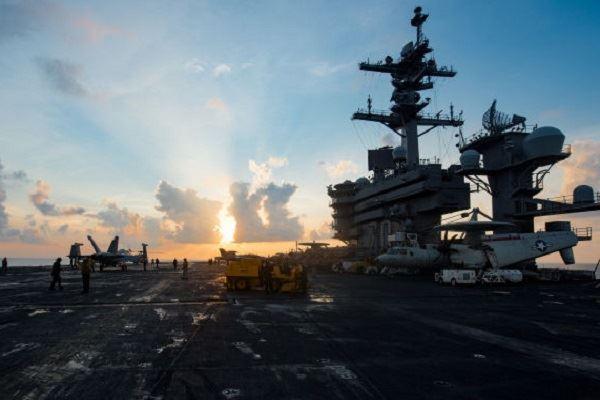 أميركا ترسل حاملة طائرات نووية إلى بحر اليابان... ما السبب؟