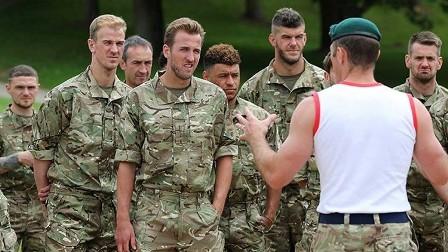 المنتخب الإنجليزي يستعد لتصفيات مونديال روسيا مع قوات المارينز