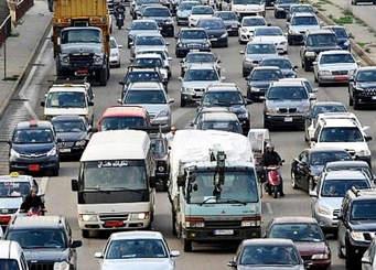 زحمة سير خانقة من المدينة الرياضية نفق سليم سلام والسيارات شبه متوقفة