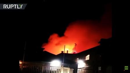 إخماد حريق هائل في سوق كامدن بلندن