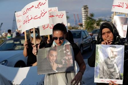 أهالي ضحايا تفجير مرفأ بيروت وضعوا شروطهم: الاستقلالية والنزاهة والجرأة لدى المحقّق الجديد