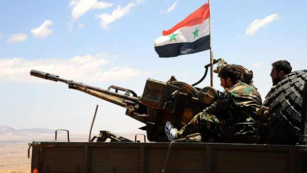 """إنزالات جوية لـ""""التحالف الدولي""""في سوريا لسحب مسؤولي ومسلحي داعش المتعاملين معه"""