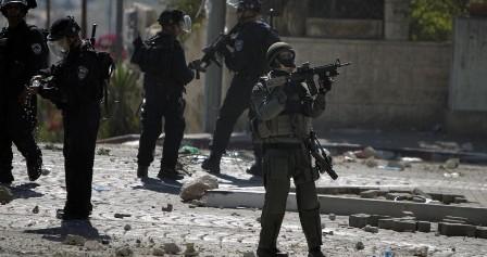 مداهمات واعتقالات بالضفة الغربية تطال 7 مواطنين فلسطينيين