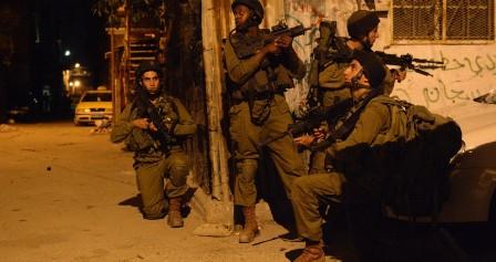 العدو الاسرائيلي ينفذ حملة مداهمات واعتقالات في الضفة الغربية المحتلة