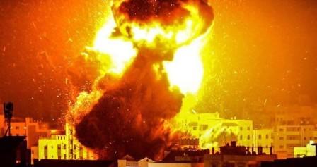 طائرات الاحتلال تقصف موقعاً شمال قطاع غزة وسقوط صاروخين على النقب