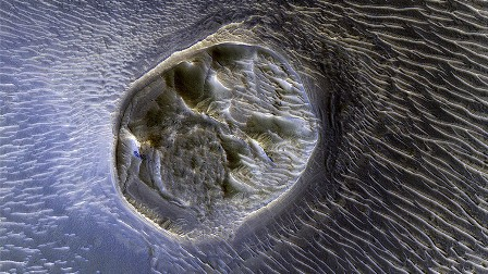 ناسا تنشر صورا جديدة مذهلة لسطح المريخ