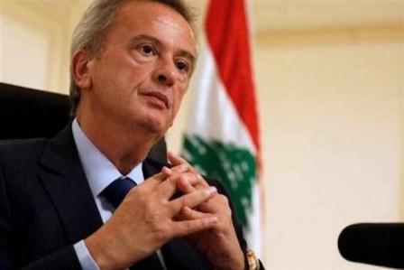 بالفيديو: شو عم بيصير بين حاكم مصرف لبنان رياض سلامة والمصارف؟