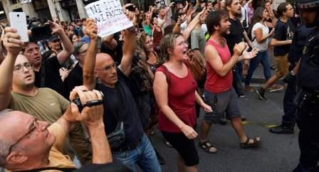 شرطة برشلونة قامت بفض مظاهرة مناهضة لـ