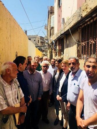 ايها اللاجئون إستعدوا: نائبة مدير الأونروا زارت عين الحلوة وحملت عينة من تقليص الخدمات